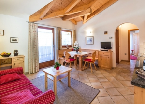 Apartment house in South Tyrol: Wellness in the holiday house Fontana 5