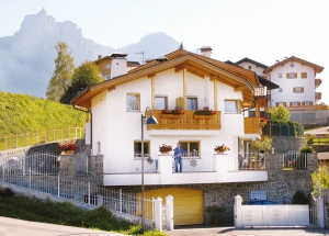 Apartment house in South Tyrol: Wellness in the holiday house Fontana 1